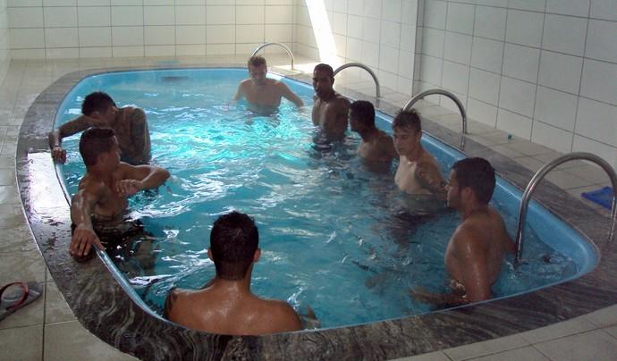 Criciúma regenerativo piscina (Foto: Douglas Sartor / Criciúma EC)