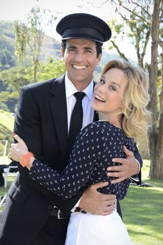 Reynaldo Gianecchini e Mariana Ximenes nos bastidores de gravação de Guerra dos Sexos (Foto: TV Globo / Raphael Dias)