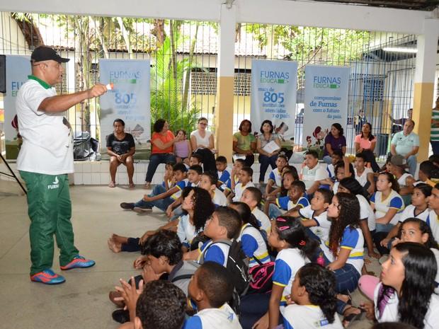 Programa Furnas Educa no Recife com foco para Aedes aegypti (Foto: Divulgação)