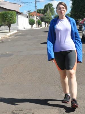 Jovem deixa de ser obesa mórbida e perde 51 kg com musculação em MS (Foto: Gabriela Pavão/ G1 MS)