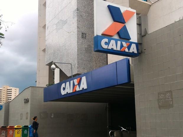 caixa econômica federal Goianos querem sacar FGTS retido para pagar contas e dívidas, em Goiás (Foto: Vanessa Martins/G1)