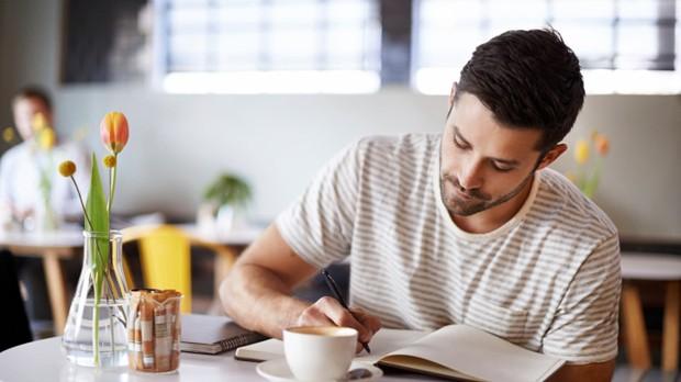 Niquitin - Histrias que Inspiram - Matria 9 - Escrever pode ajudar uma boa sada para acalmar a mente e colocar emoes para fora (Foto: Divulgao)