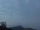 Previsão é de chuva e frio na Serra do Rio neste domingo de eleição