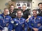Nave Soyuz se acopla com sucesso à Estação Espacial Internacional
