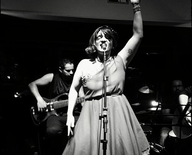 Deena Love durante apresentação (Foto: Arquivo Pessoal)