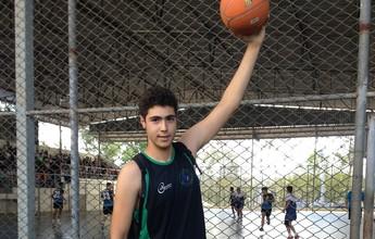 Pivô de 16 anos e com 1,97m de altura se destaca no basquete do Na Rede
