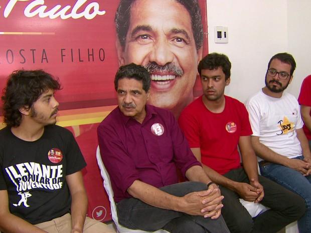 Candidato João Paulo (PT) participou de reunião no comitê de campanha, no Centro do Recife  (Foto: Reprodução/TV Globo)