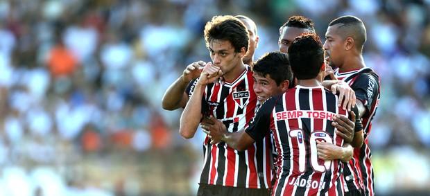 Rodrigo Caio comemora gol do São paulo contra o Vasco (Foto: Fabio Motta / Agência estado)