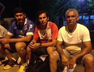 Preparador físico Fábio Garcia, técnico Hernán Oliveira e o auxiliar técnico Mário Sérgio, da esquerda para direita (Foto: Junior Freitas)