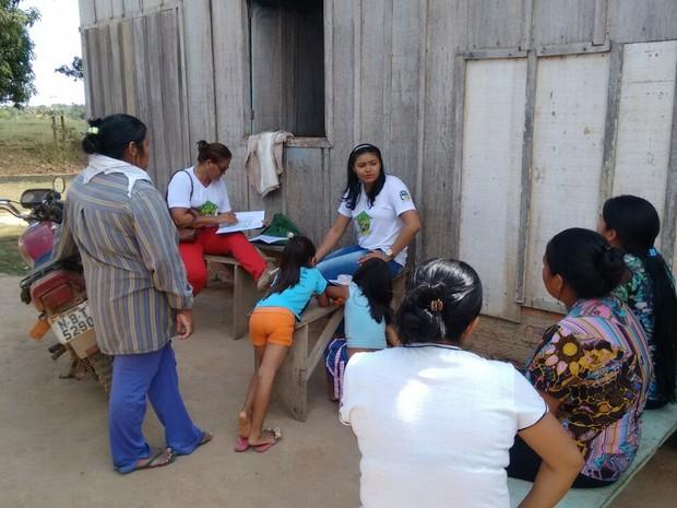 Programa itinerante realizada cadastramento no Bolsa Família em Cacoal (Foto: Assessoria de Imprensa da Prefeitura/Divulgação)