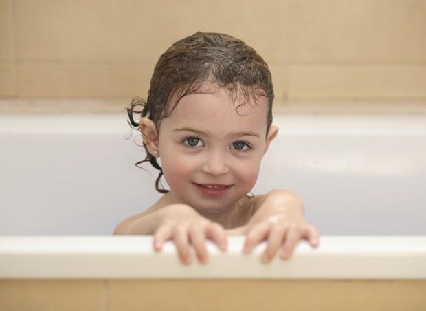 banho; menina; crianca (Foto: Thinkstock)