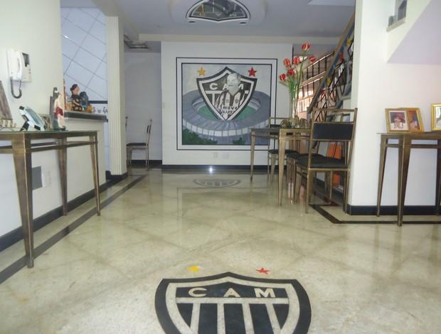 Casa de Ademar Bicalho tem vários objetos relacionados ao Atlético-MG (Foto: Cida Santana/Globoesporte.com)