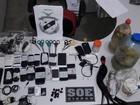 Revista encontra celulares, tesouras e bebidas em penitenciária de Cuiabá