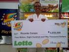 Homem ganha US$ 4,8 milhões após 'achar' bilhete em pote de biscoitos