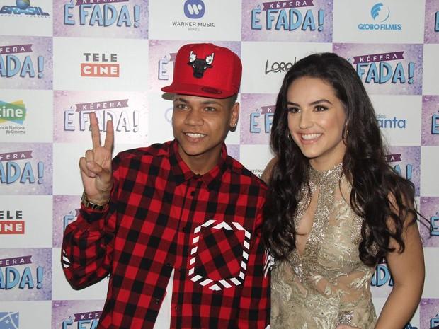 MC Duduzinho e Kéfera em pré-estreia de filme no Rio (Foto: Wallace Barbosa/ Ag. News)