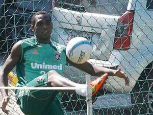 O jogador Digão foi flagrado com carteira de habilitação falsa em blitz da Lei Seca no RJ (Foto: Divulgação/Photocâmera)