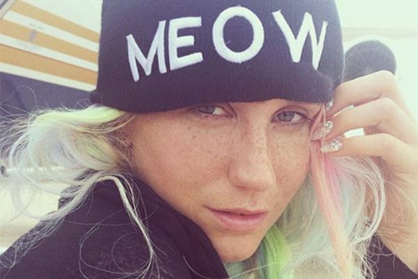 Ke$ha mostrou seu lindo rostinho sem maquiagem e surpreendeu os fãs (Foto: Instagram)