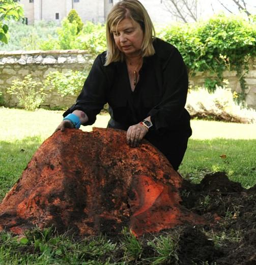 Christina Oiticica - artista plástica desenterra obras na Itália (Foto: Divulgação)