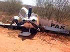 Avião bate em arbusto e roda em aeroporto (Wilker Porto / Brumadoagora.com.br)