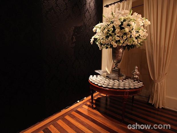 Flores se destacam na decoração (Foto: Pedro Curi/TV Globo)