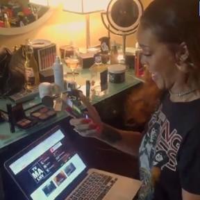 Rihanna vibra com lançamento de seu novo clipe (Foto: Instagram/ Reprodução)