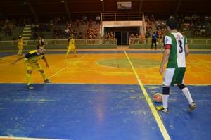Independente e Omã/Sesp ficam no empate pela Copa Rede Amazônica (Foto: Jonhwene Silva/GE-AP)