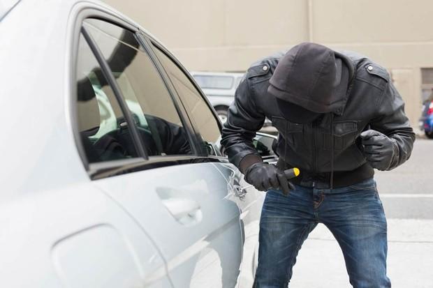 Ladrão de carro não gosta de gente. Prefere agir discretamente em ruas mais tranquilas (Foto: Divulgação)