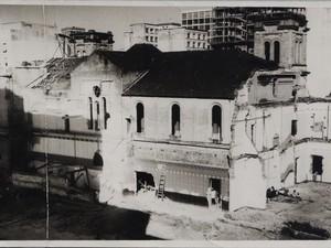 Demolição da Igreja do Rosário em Campinas, SP (Foto: MIS-Campinas/Coleção Maria Luisa S.P. de Moura)