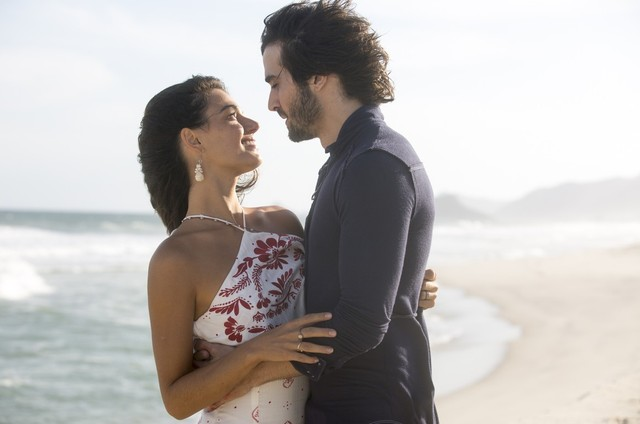 Isis Valverde e Fiuk em 'A força do querer'  (Foto: TV Globo/Divulgação)