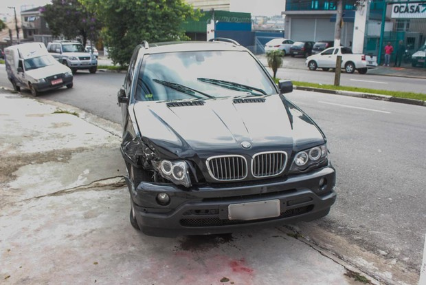 Carro do cantor Renner (Foto: Marco Ambrosio/AGNews)