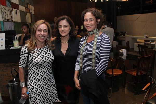 Cissa Guimarães, Andréa Beltrão e Marieta Severo vão ao teatro