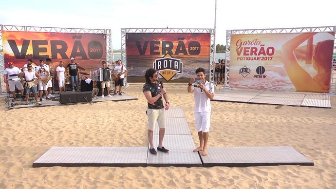 Pedrinho Pegação e Leo Souza nas gravações do Rota Inter TV de verão (Foto: Sivonei Pereira)