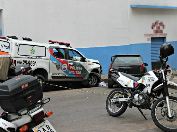 Acidente ocorreu no Centro de Manaus (Foto: Rickardo Marques/ G1 AM)