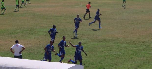 Negue comemora gol do São José contra Palmeiras B pela Copa Paulista (Foto: Aline Oliveira)