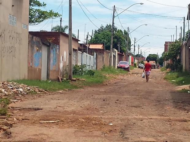 Rua no Setor Pôr do Sol, em Ceilândia (Foto: Isabella Formiga/G1)
