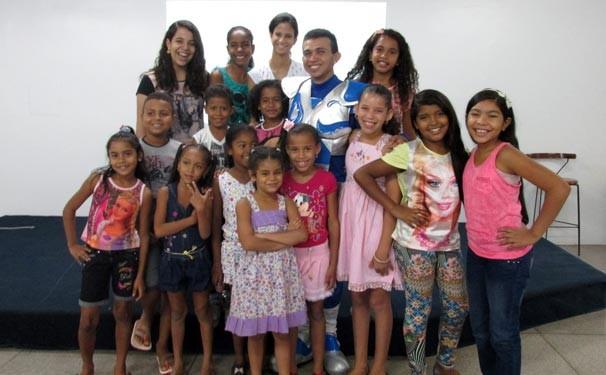TV Clube recebe alunos da Biblioteca Comunitária Bruno Soares (Foto: Katylenin França/TV Clube)