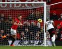 United abusa dos cruzamentos, sofre empate aos 49 e vê Moyes balançar