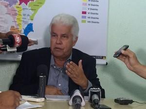 Secretário falou que 570 servidores do PAM serão distribuídos em unidades de saúde (Foto: Carolina Sanches/G1)