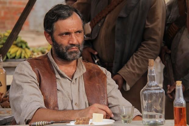 Domingos Montagner como o Coronel Raimundo, em Gonzaga - de Pai para filho, 2012 (Foto: TV Globo / João Linhares)