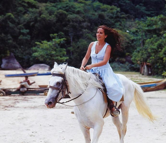Há 23 anos, Gloria Pires estrelava a novela Mulheres de Areia (Foto: CEDOC/Globo)
