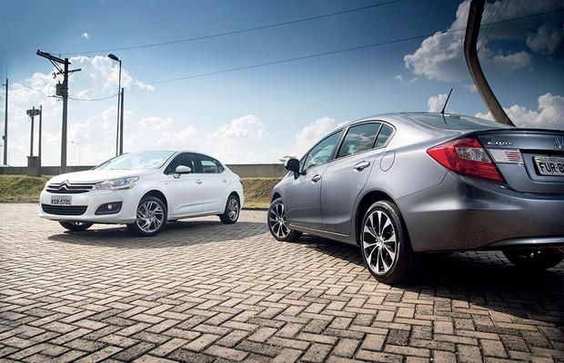 Citroën C4 Lounge versus Honda Civic  (Foto: Fabio Aro/Autoesporte)