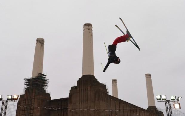 esqui Battersea Power Station Londres (Foto: AFP)