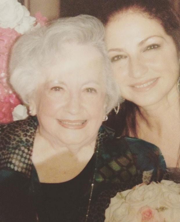 Gloria Estefan e a mãe (Foto: Reprodução)