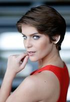 'Agora me sinto mais à mostra', diz Isabella Santoni sobre cabelos curtos