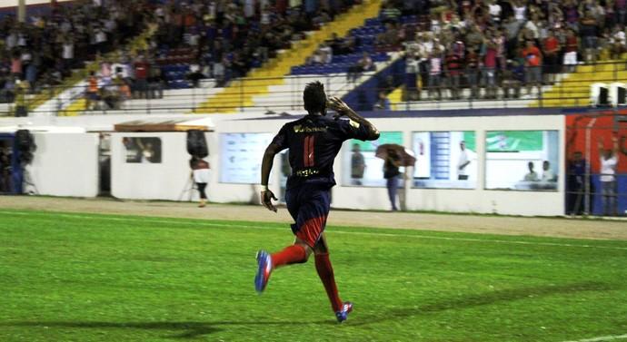 Marcílio Dias x Juventus Anderson Lopes (Foto: Flavio Roberto/CN Marcílio Dias)