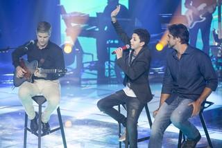 Wagner Barreto com seus técnicos Victor e Leo (Foto: Globo/Pedro Curi)