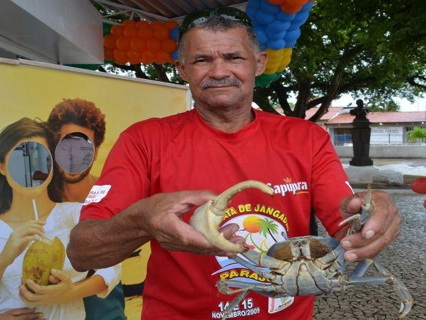Guaiamu tem mais que mais que o triplo do tamanho de um crustáceo normal (Foto: Marina Fontenele/G1)