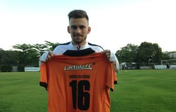 Lucas Lima veste camisa do Cartola FC e revela cobrança dos funcionários