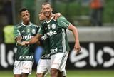 """Após cambalhota, Vitor Hugo brinca: """"Esse ano não virei, acabaram os gols"""""""