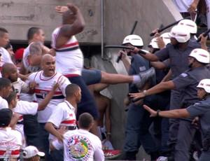 Briga S�o Paulo x Corinthians (Foto: Reprodu��o SporTV)